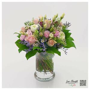 Blumenstrauß mit Rosen, Ranunkeln und Statize