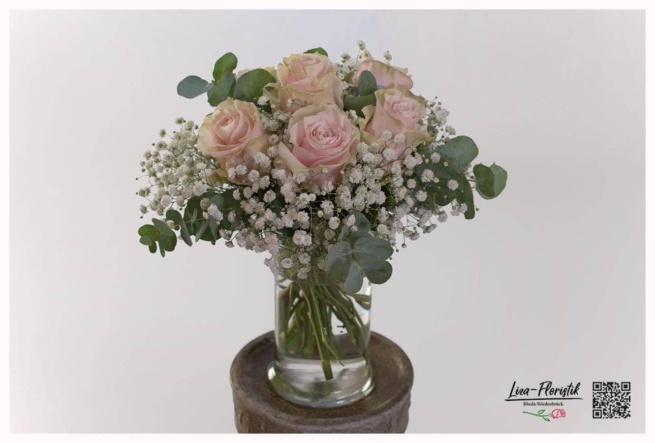 """Blumenstrauß mit Ecuador Rosen """"Pink Mondial"""", Schleierkraut und Eukalyptus"""