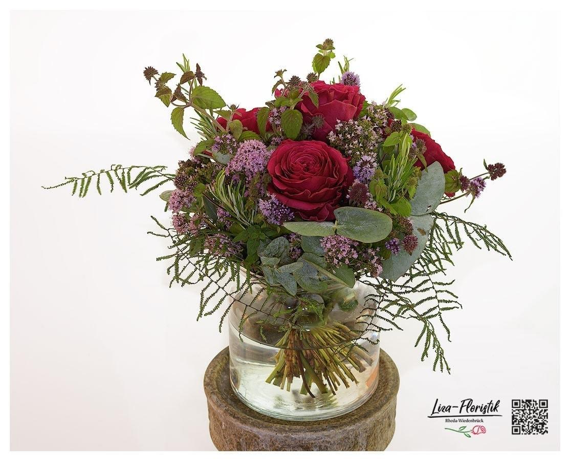 Gewürzstrauß mit roten Ecuador Rosen, Thymian, Rosmarin und Lavendel