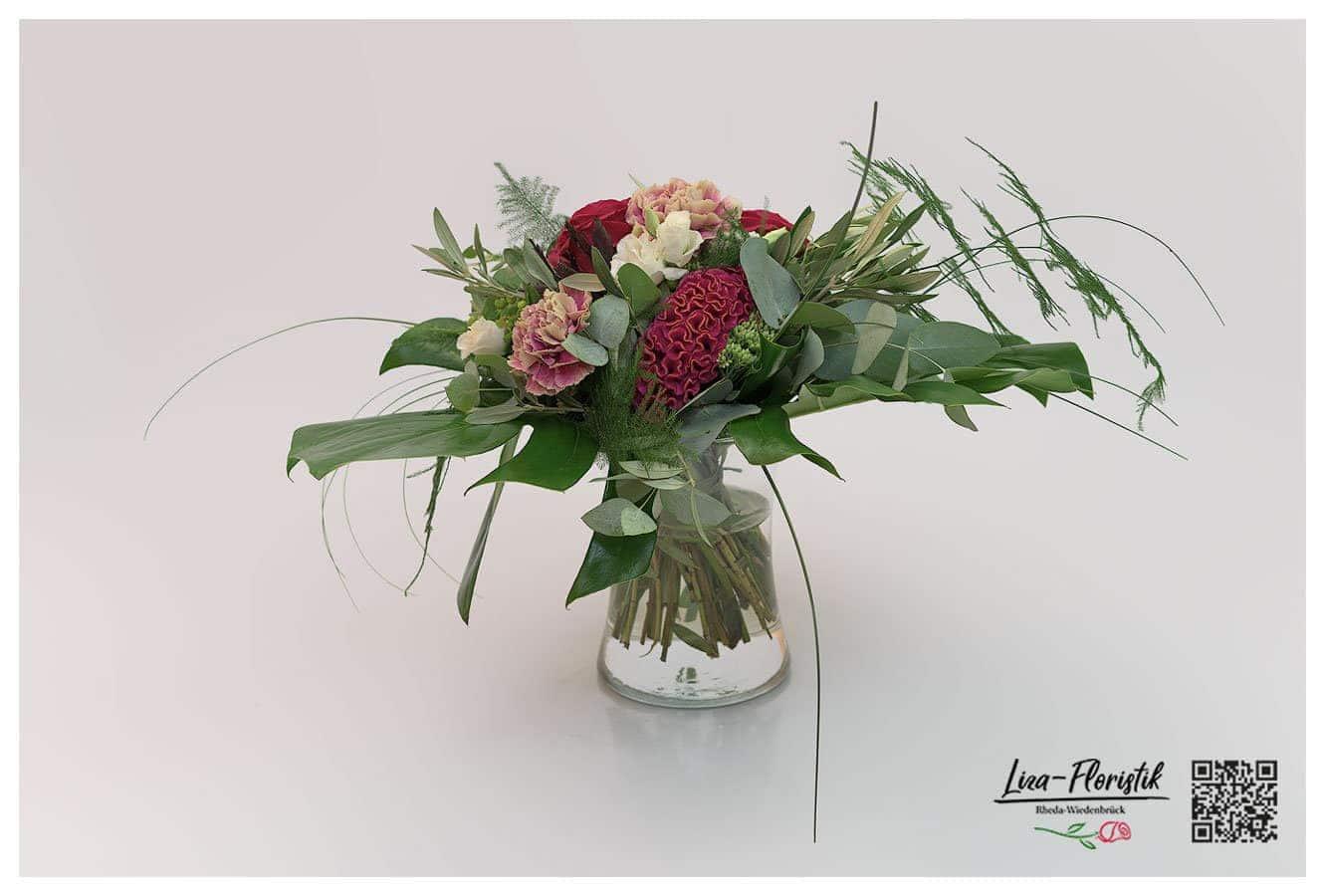 Blumenstrauß mit Ecuador Rose, Eukalyptus, Nelke, Asparagus, Celosie und Olive