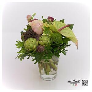 Blumenstrauß mit Artischocke, Anthurie, Artischocken und Rosen