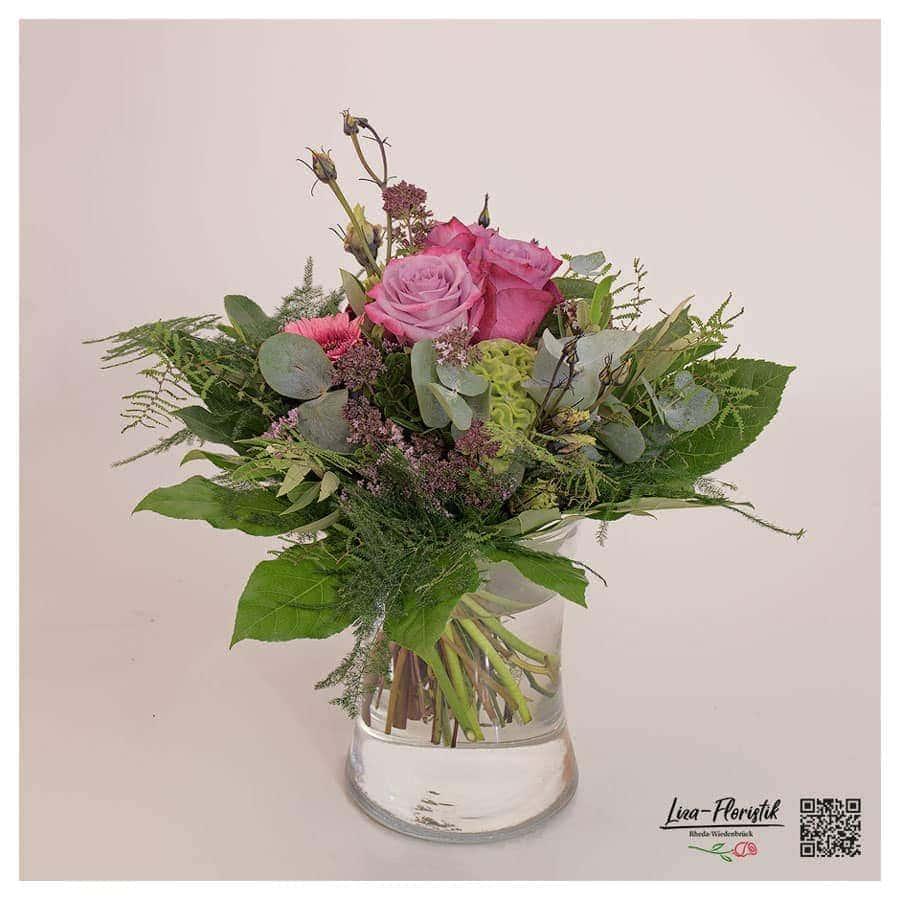 Blumenstrauß mit Rosen, Gerbera und Celosie