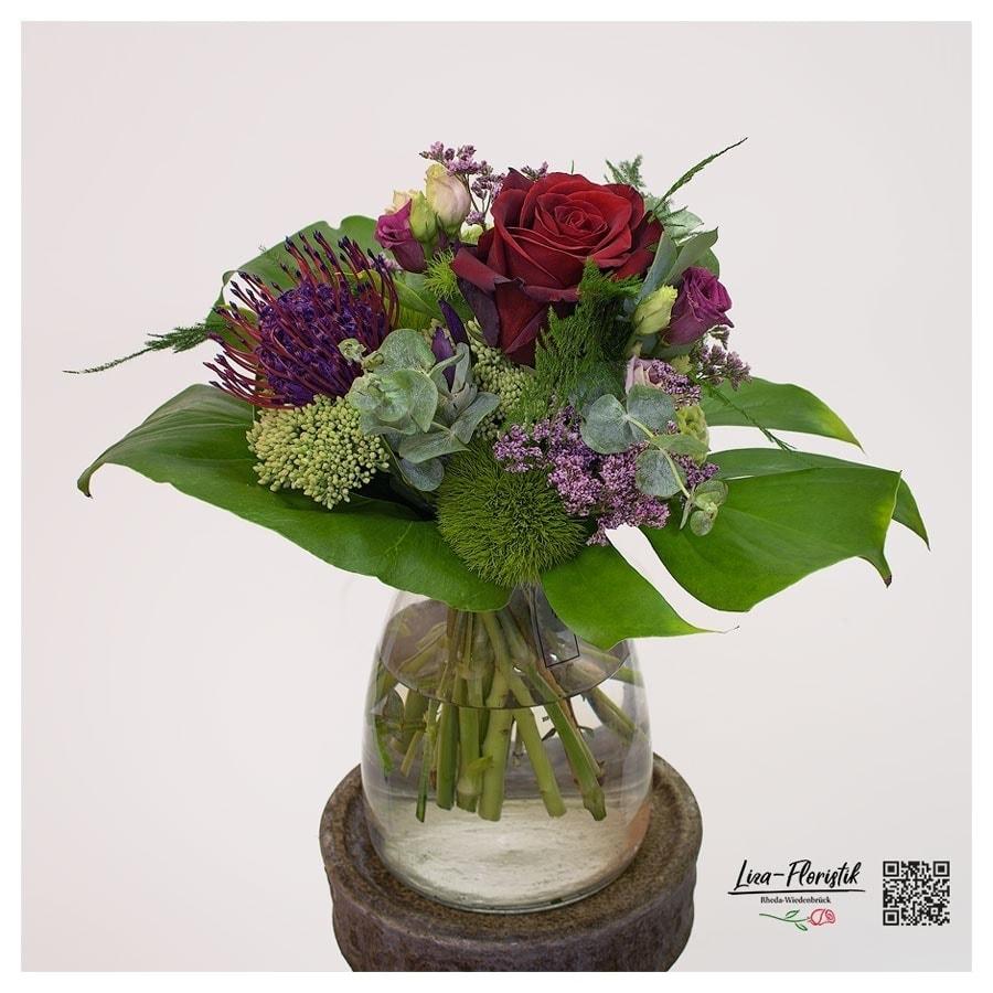"""Blumenstrauß mit Ecuador Rose """"Explorer"""", Lisianthus, Nadelkissenprotea, Statize, Bartnelken und Eukalyptus"""