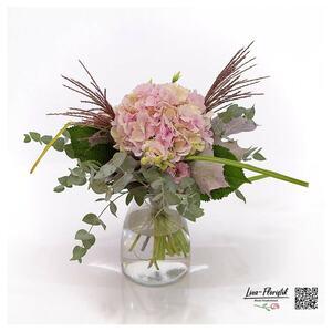 Blumenstrauß mit Hortensie, Lisianthus, Eukalyptus, Eichenlaub und Miscanthus