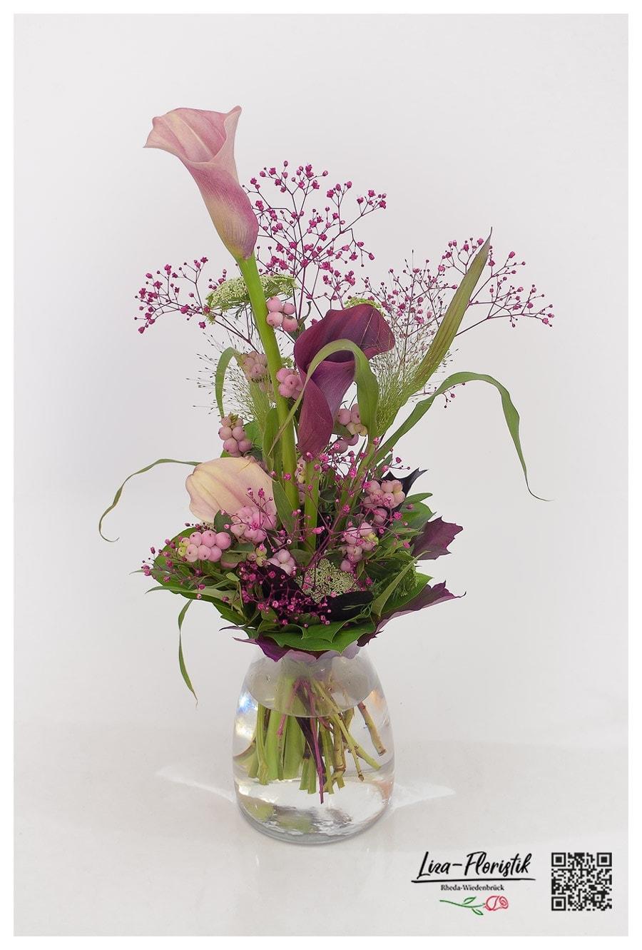Blumenstrauß mit Calla, Fontaine, Ami Majus, Schleierkraut und Knallerbsen