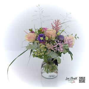 Blumenstrauß mit rosa Ecuador Rosen, Kamille und Gerbera