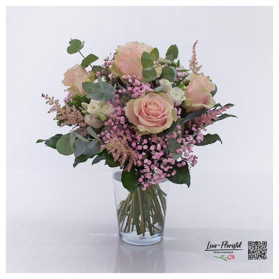 Blumenstrauß mit Ecuador Rosen, Lisianthus, Eukalyptus und rosa Schleierkraut