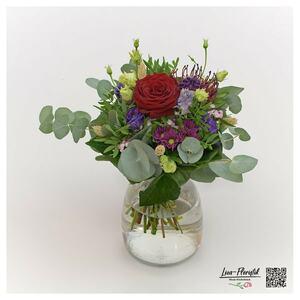 Blumenstrauß mit Rose, Protea und Santini