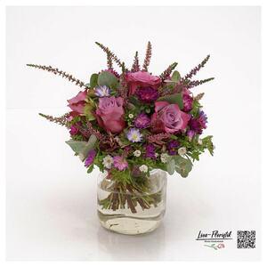 Blumenstrauß mit Rosen,  Miniaster und Calune
