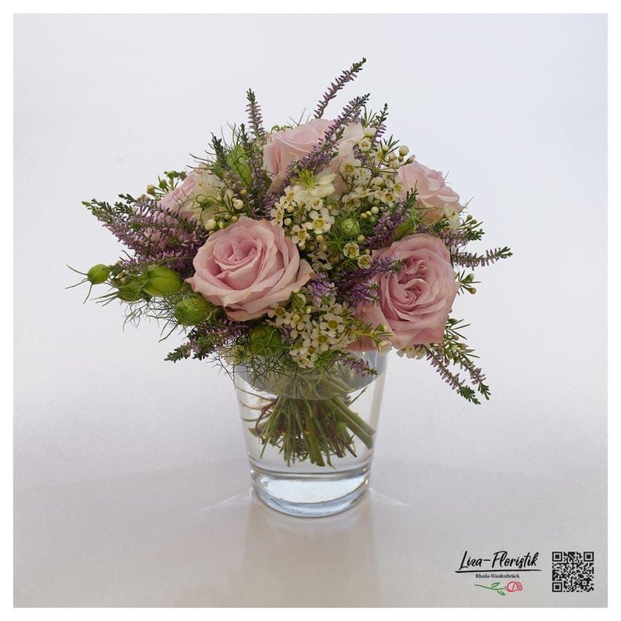 Blumenstrauß mit Ecuador Rosen Pink Mondial, Wachsblumen und Heide