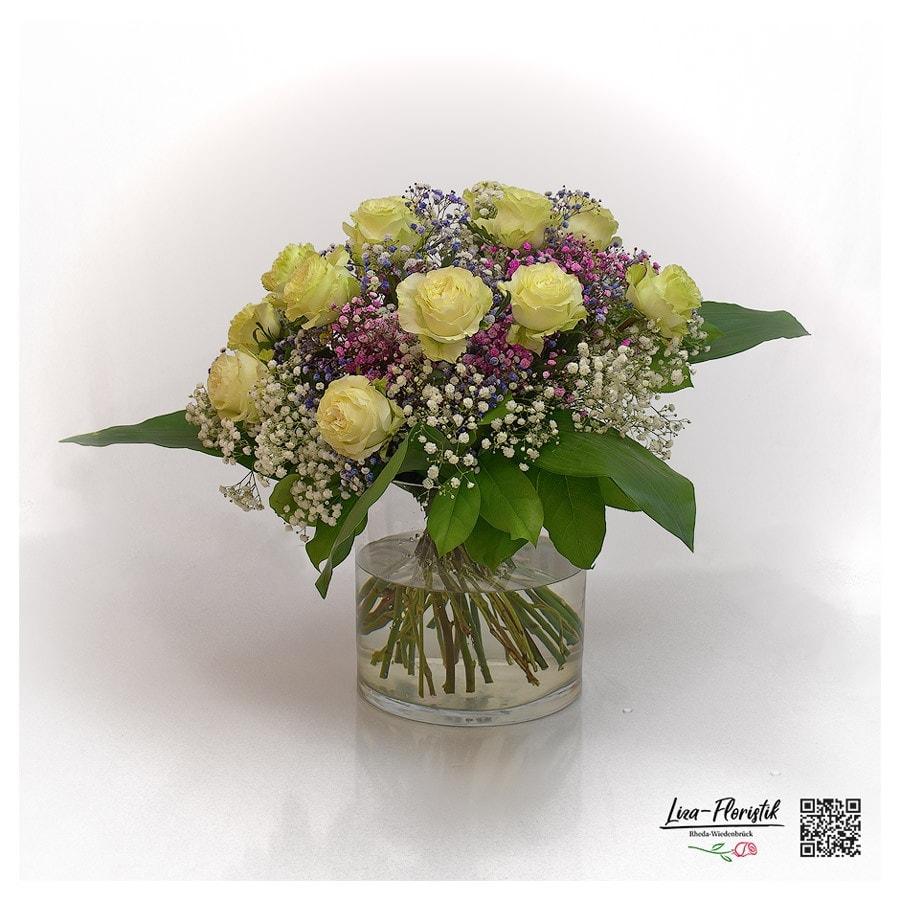 Blumenstrauß mit Ecuador Rosen Mondial und Schleierkraut