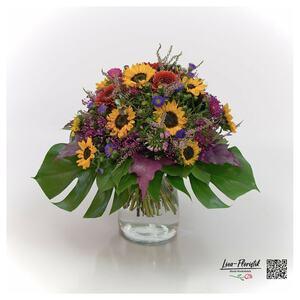 Blumenstrauß mit Sonnenblumen, Gerbera und Bartnelken